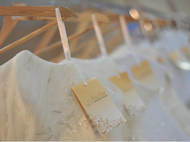 бирки на свадебных платьях