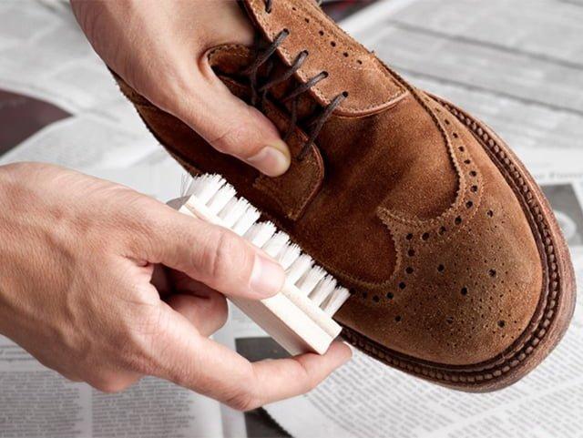 щетка для замшевых ботинок