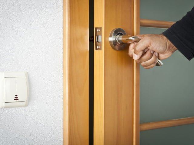 межкомнатная дверь в квартире