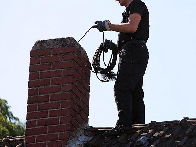 шланг с щеткой для чистки дымохода