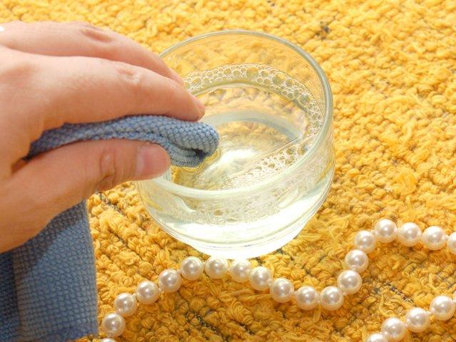 мыльный раствор для чистки ожерелья из жемчуга