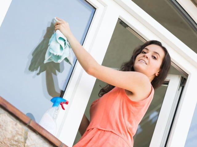 чистка окна снаружи
