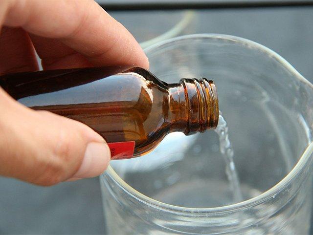 нашатырный спирт для удаления воска