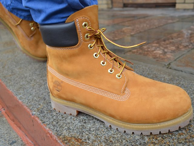 стильные ботинки из нубука