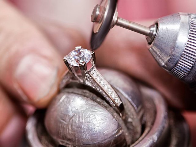 полировка кольца с топазом