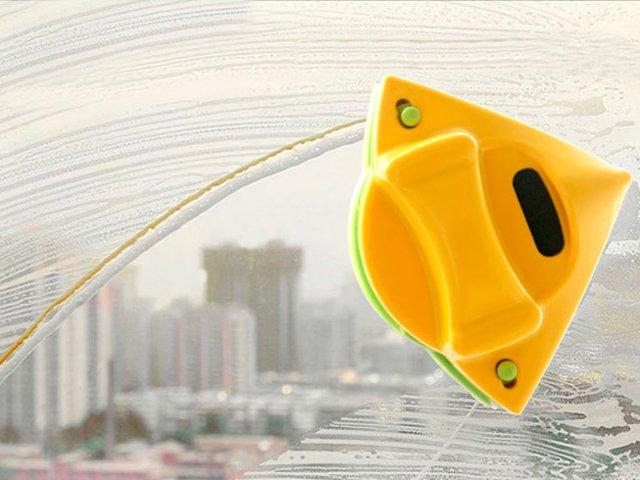 магнитная щетка для чистки окон