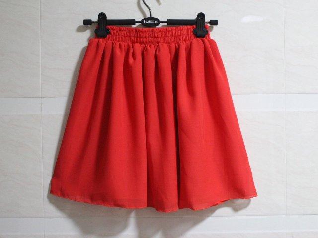 красная шифоновая юбка