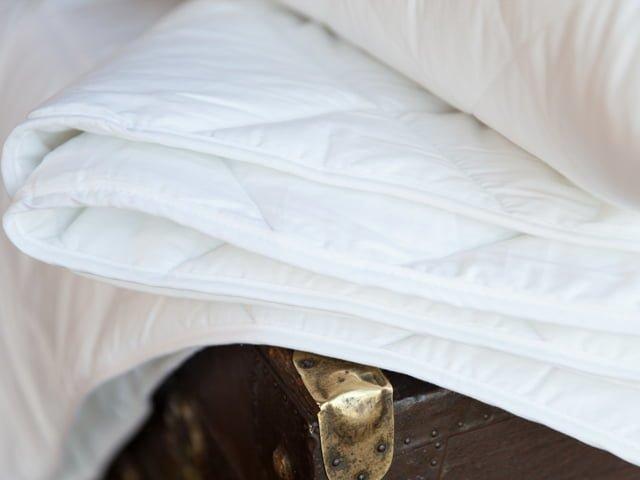 одеяло из синтетики