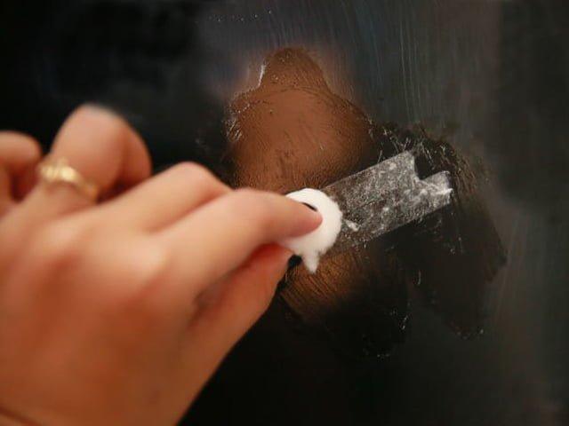 чистка окна от скотча