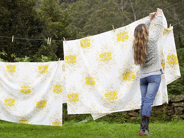 сушка постельного белья на свежем воздухе