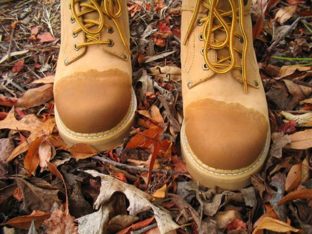 сырые ботинки из нубука
