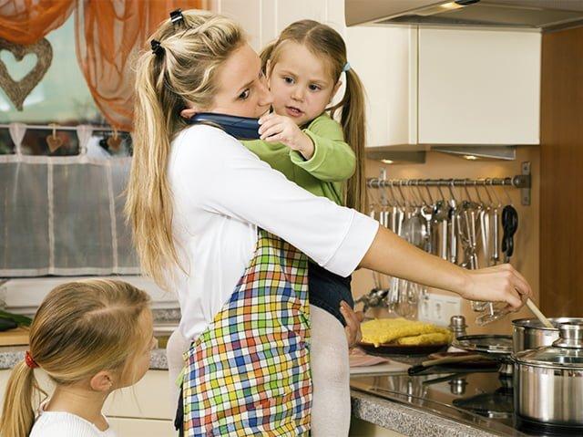занятая домохозяйка