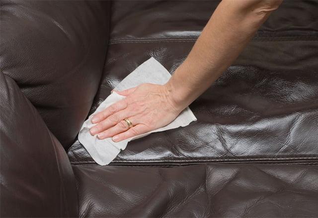 ручная чистка дивана