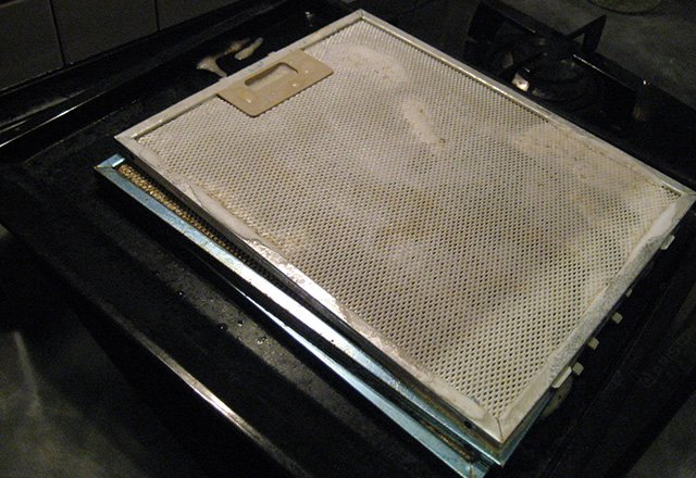 метод чистки фильтра от вытяжки