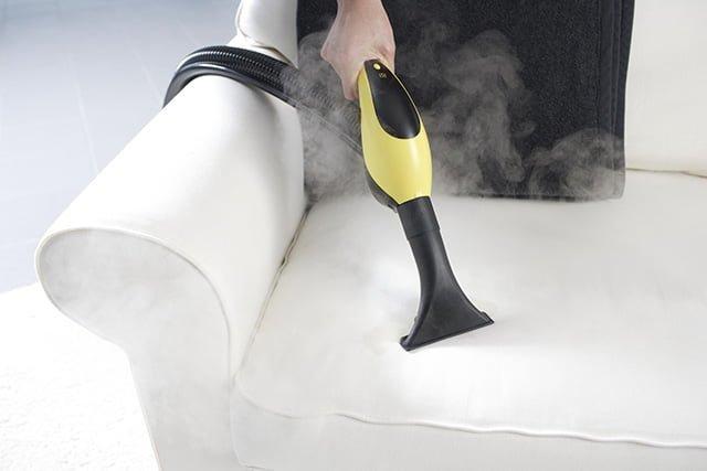 чистка дивана от пыли