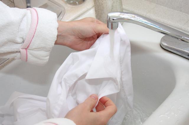 отбеливание белой одежды в домашних условиях