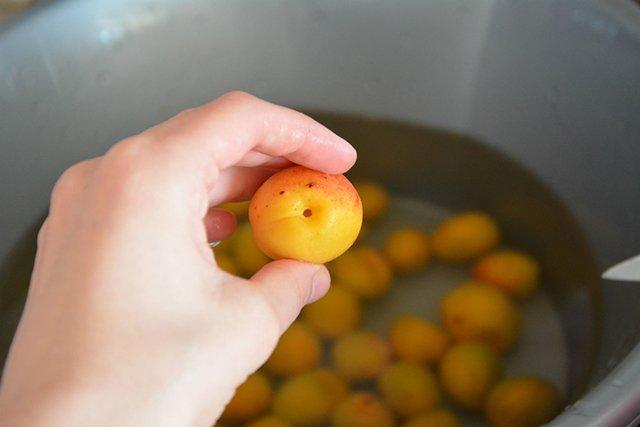 мытье фруктов перед употреблением