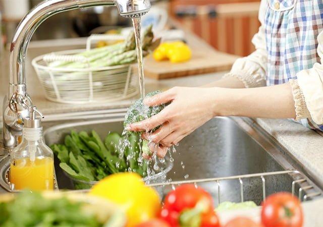 обработка зелени перед употреблением в еду
