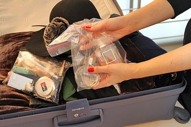 упаковка для косметики в чемодан