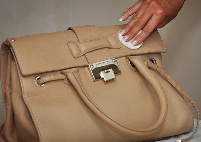 средство для снятия макияжа для чистки кожаной сумки