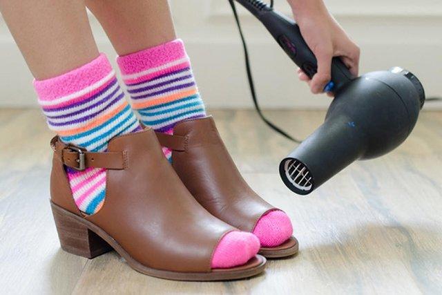 метод растягивания кожаной обуви