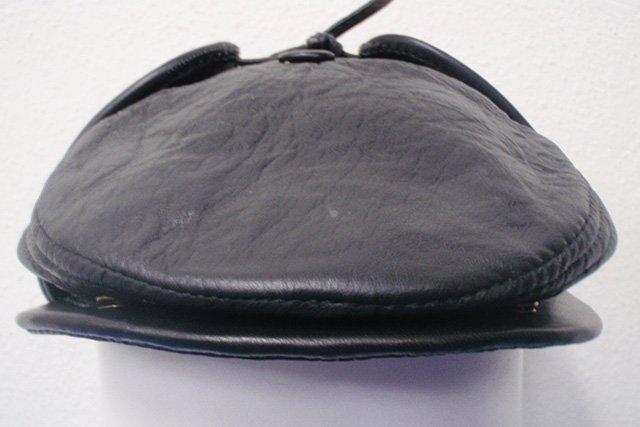 утепленная кепка из кожи