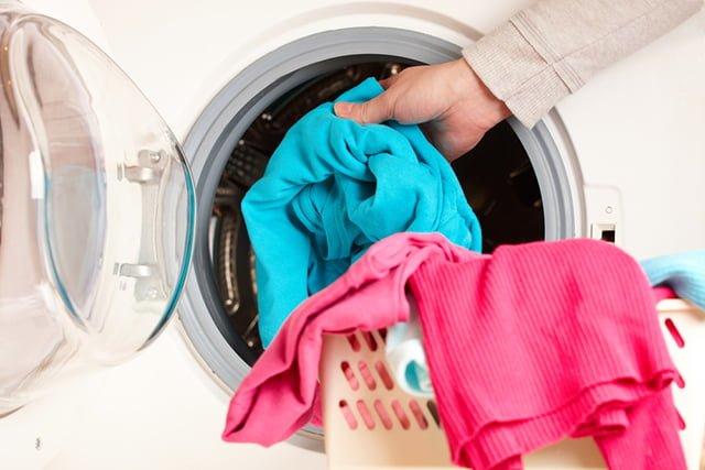метод растягивания одежды из синтетики