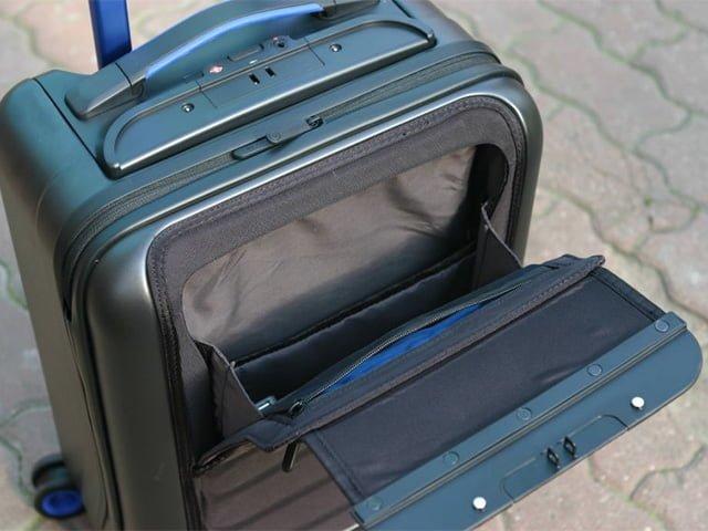 карманы в чемодане