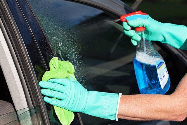 средство для чистки стекол автомобиля