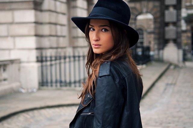 стильная шляпа из фетра