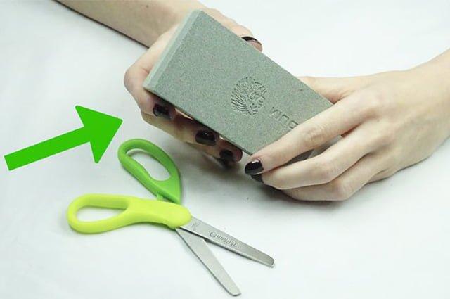 способ заточки ножниц при помощи оселка