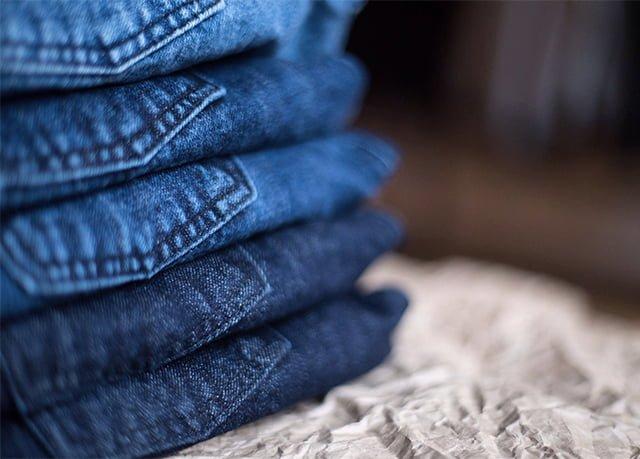 пары джинсов