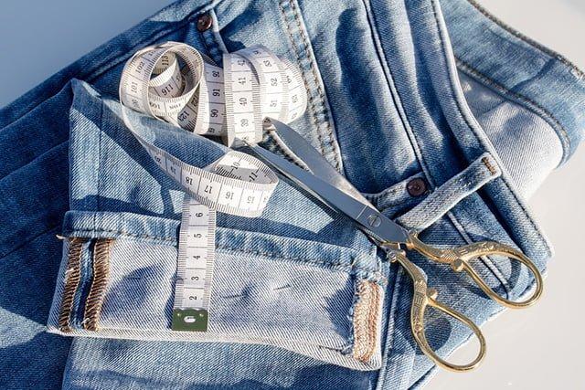 подшивка джинсов