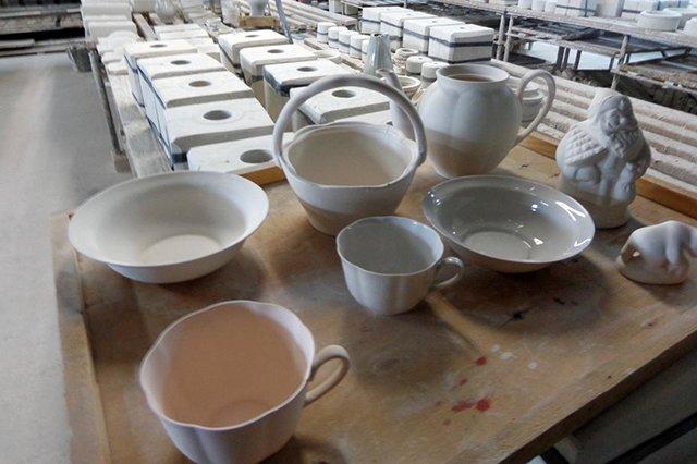 изготовление посуды из фаянса