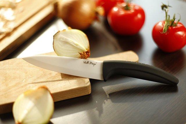 кухонный нож из керамики
