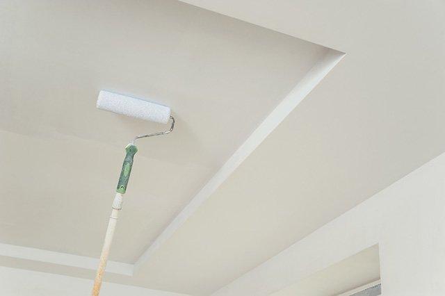 восстановление потолка после потопа в квартире