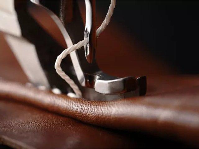 ремонт кожаной куртки на швейной машине