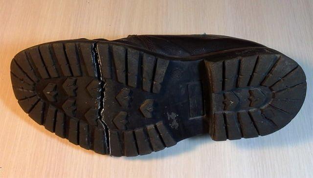 треснувший ботинок