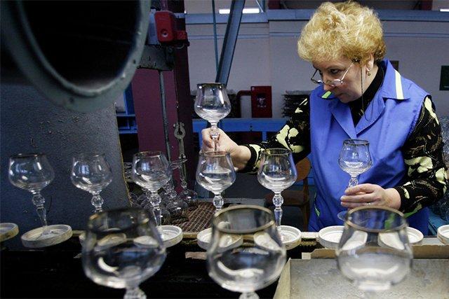 проверка качества стеклянных бокалов