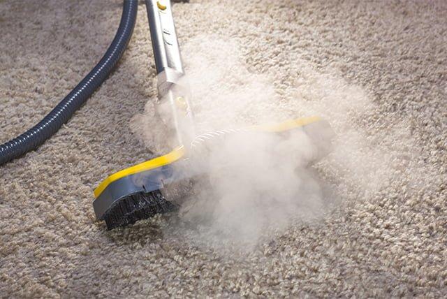 чистка ковра от пыли
