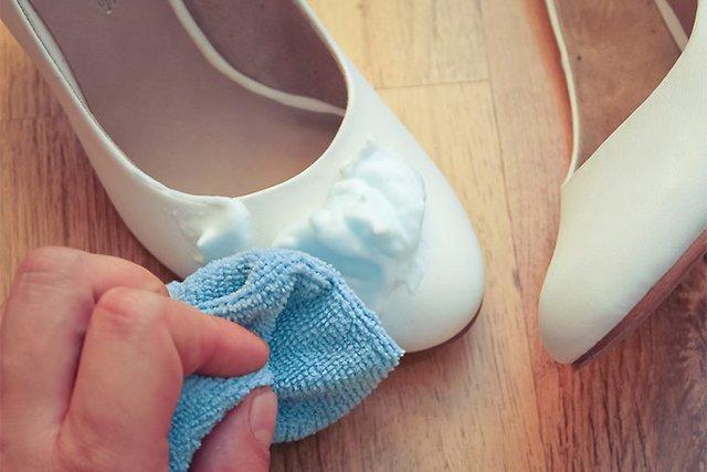 чистка белых туфель