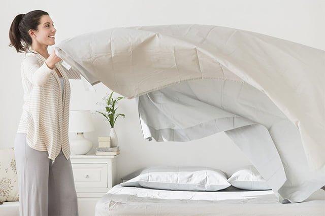 встряхивание одеяла