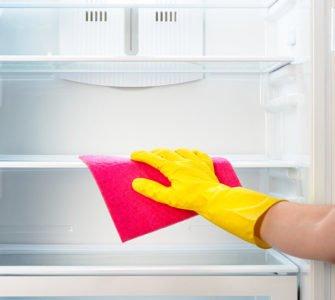 Как отбелить пожелтевший холодильник