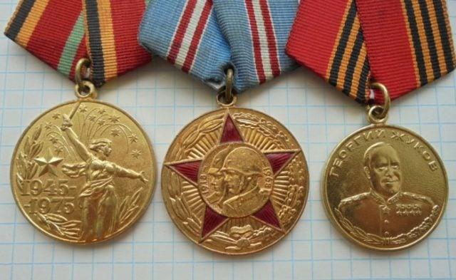 Как чистить медали