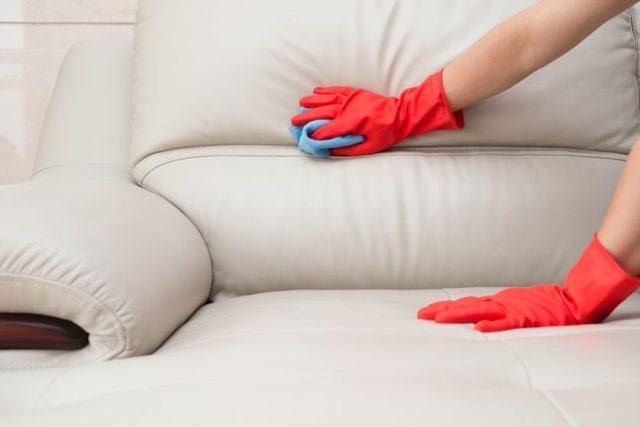 Как вывести пятно от маркера с дивана