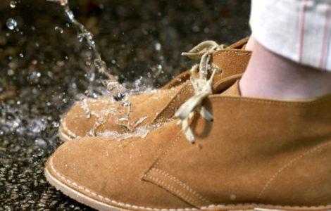 Как защитить обувь от влаги