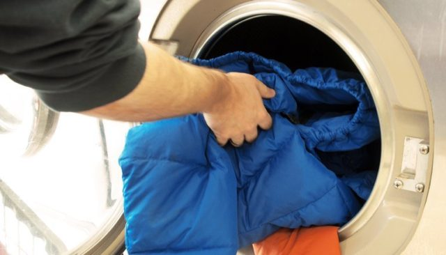 Как высушить пуховик без комков