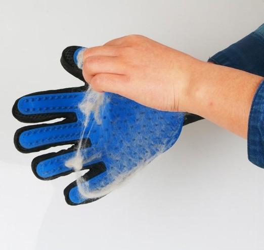 Перчатки для вычесывания животных