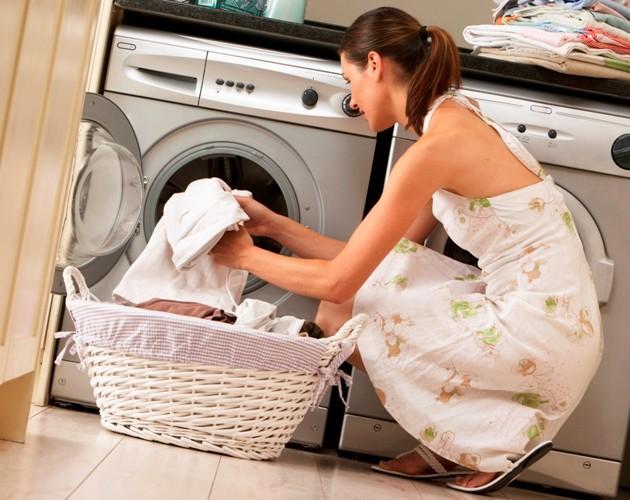 Как почистить вещи от шерсти