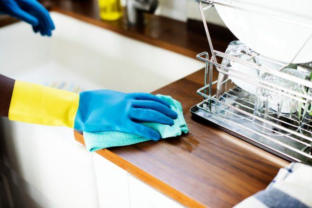 Мыть посуду без химии